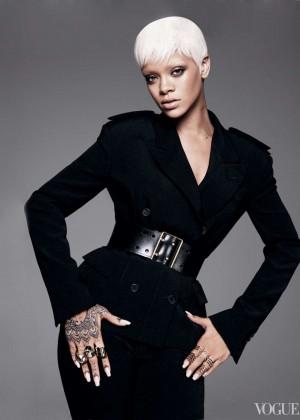 Rihanna: Vogue US -06
