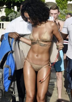 Rihanna Bikini: 2013 Pics Barbados-03