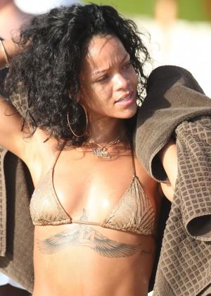 Rihanna Bikini: 2013 Pics Barbados-25