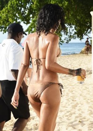 Rihanna Bikini: 2013 Pics Barbados-30