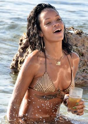 Rihanna Bikini: 2013 Pics Barbados-36