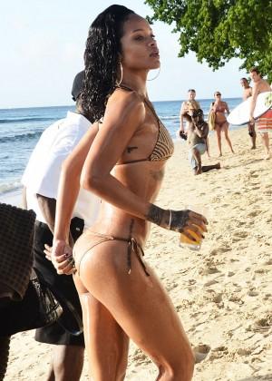 Rihanna Bikini: 2013 Pics Barbados-37