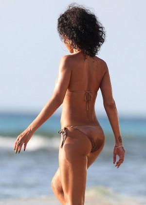 Rihanna Bikini: 2013 Pics Barbados-41