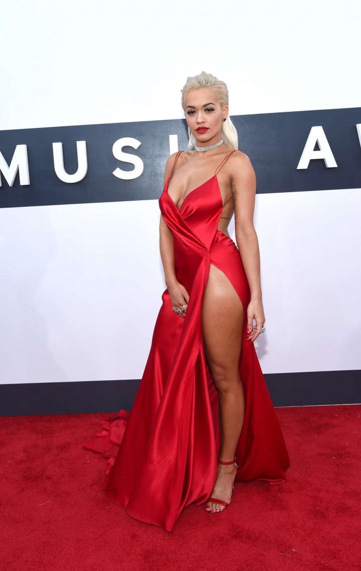 Rita Ora Mtv Video Music Awards 01 Demi Lovato Vma