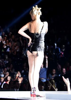 Rita Ora PerformsLive at Fashion Rocks 2014 -05