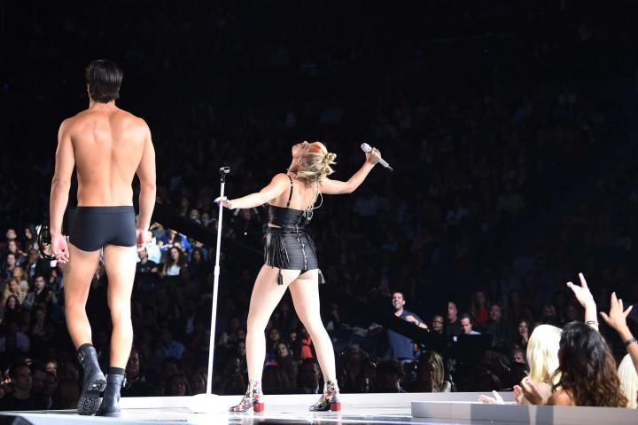Rita Ora PerformsLive at Fashion Rocks 2014 -09