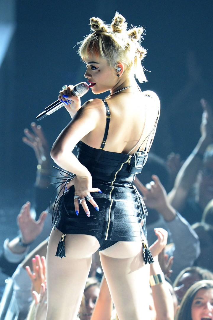 Rita Ora PerformsLive at Fashion Rocks 2014 -27