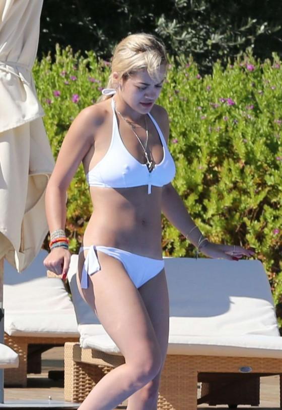 Rita Ora in bikini -25