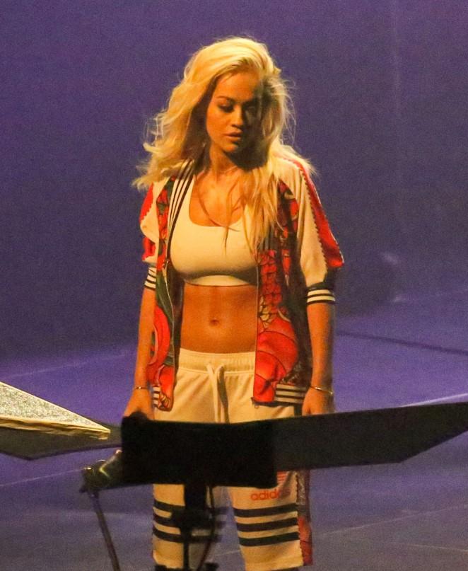 Rita Ora: Filming her new music video -10