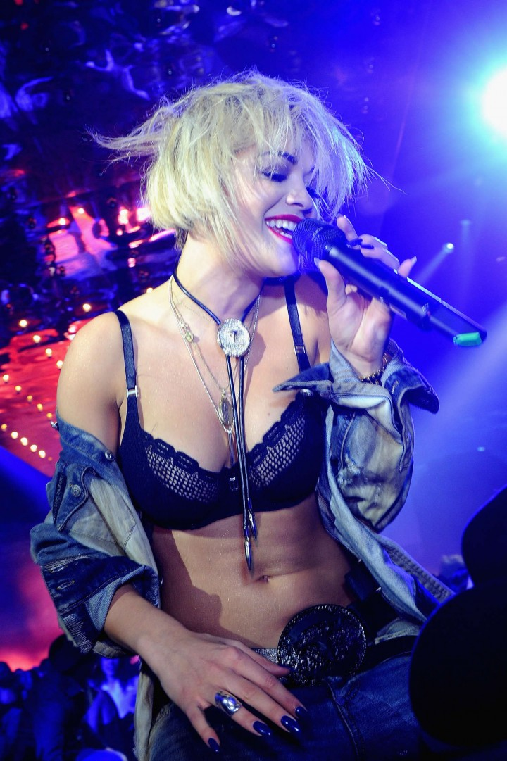 Rita Ora – Performing at Philipp Plein fashion show in Milan