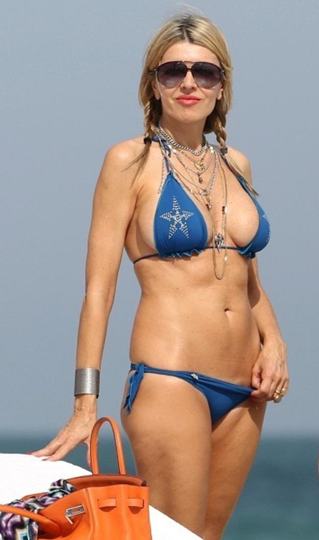 Camel Toe Celeb >> Rita Rusic bikini candids in Miami-04 - GotCeleb