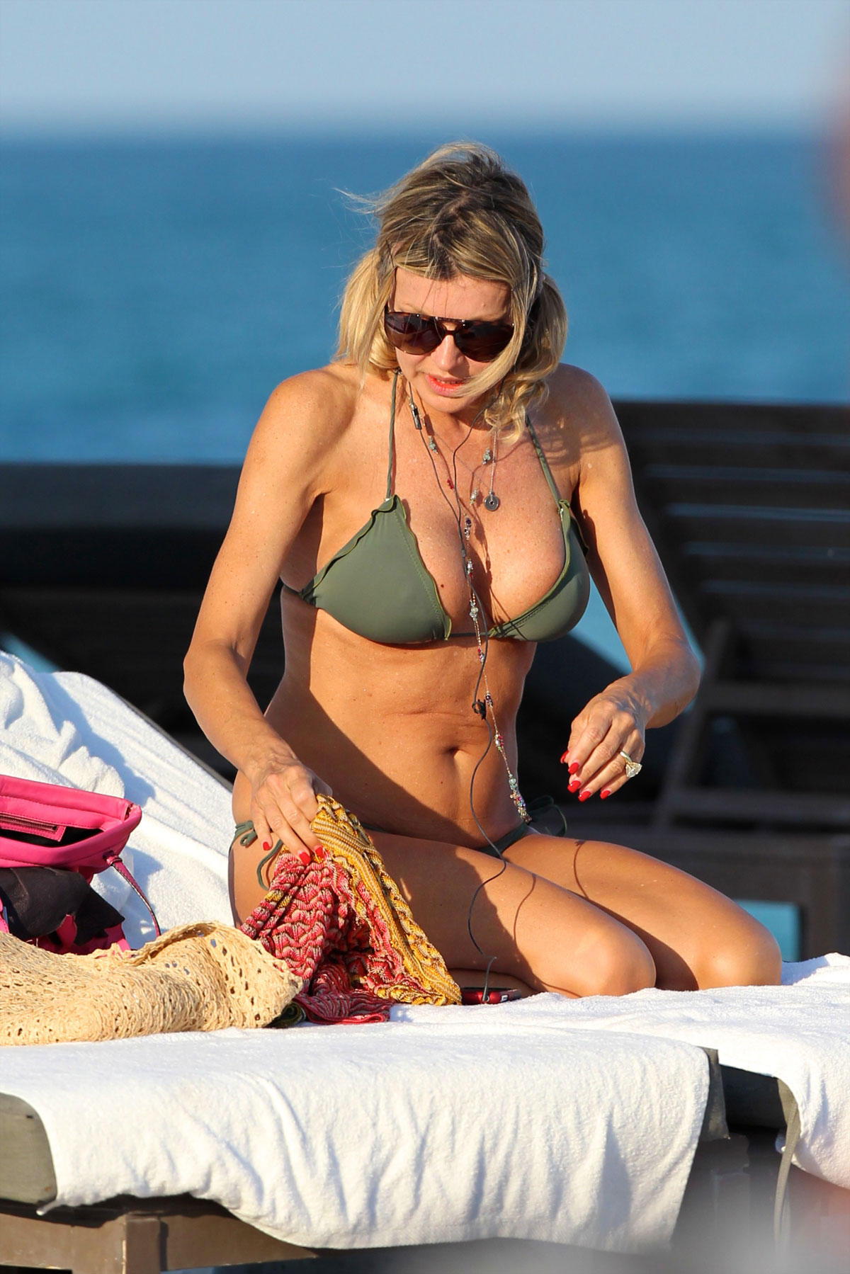 Rita Rusic – Hot bikini body in Miami-14
