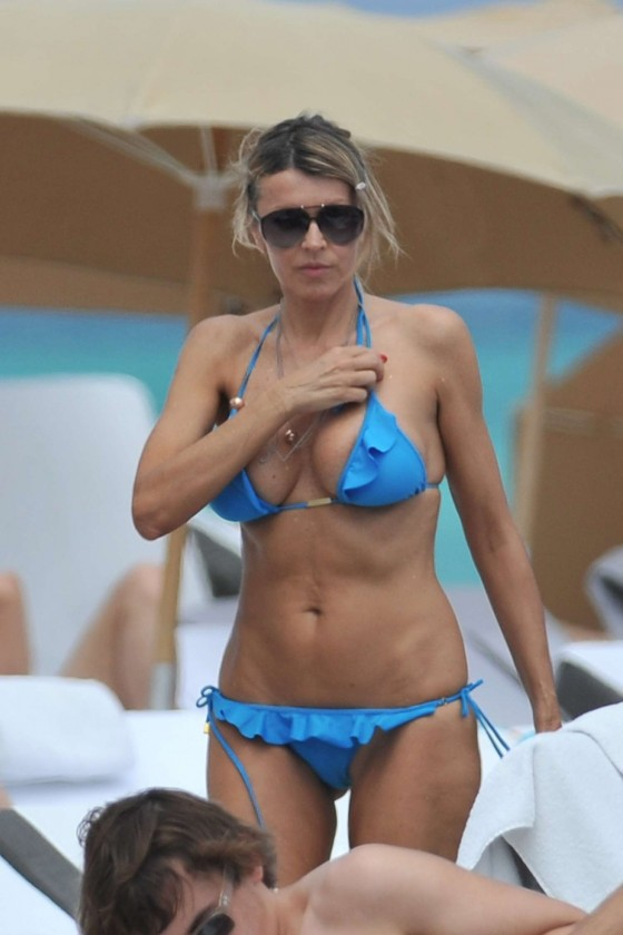 Rita Rusic showing her sexy body In a blue bikini On The Beach In Miami (april 8 2012)