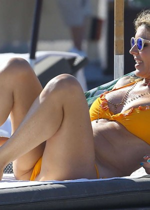 Rita Rusic in Yellow Bikini in Miami-09