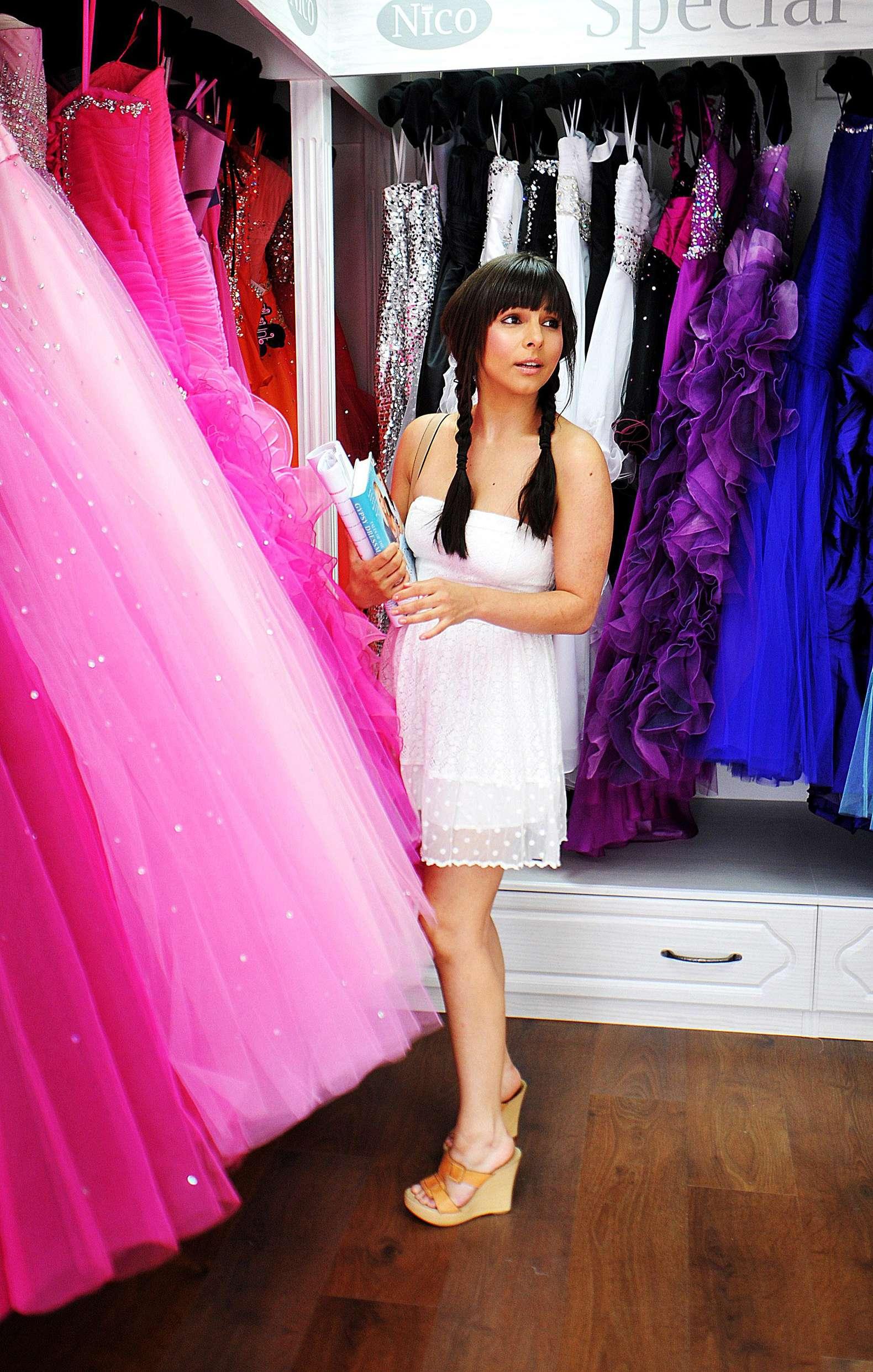 Moderno Vestidos De Novia Nico Liverpool Foto - Ideas de Estilos de ...