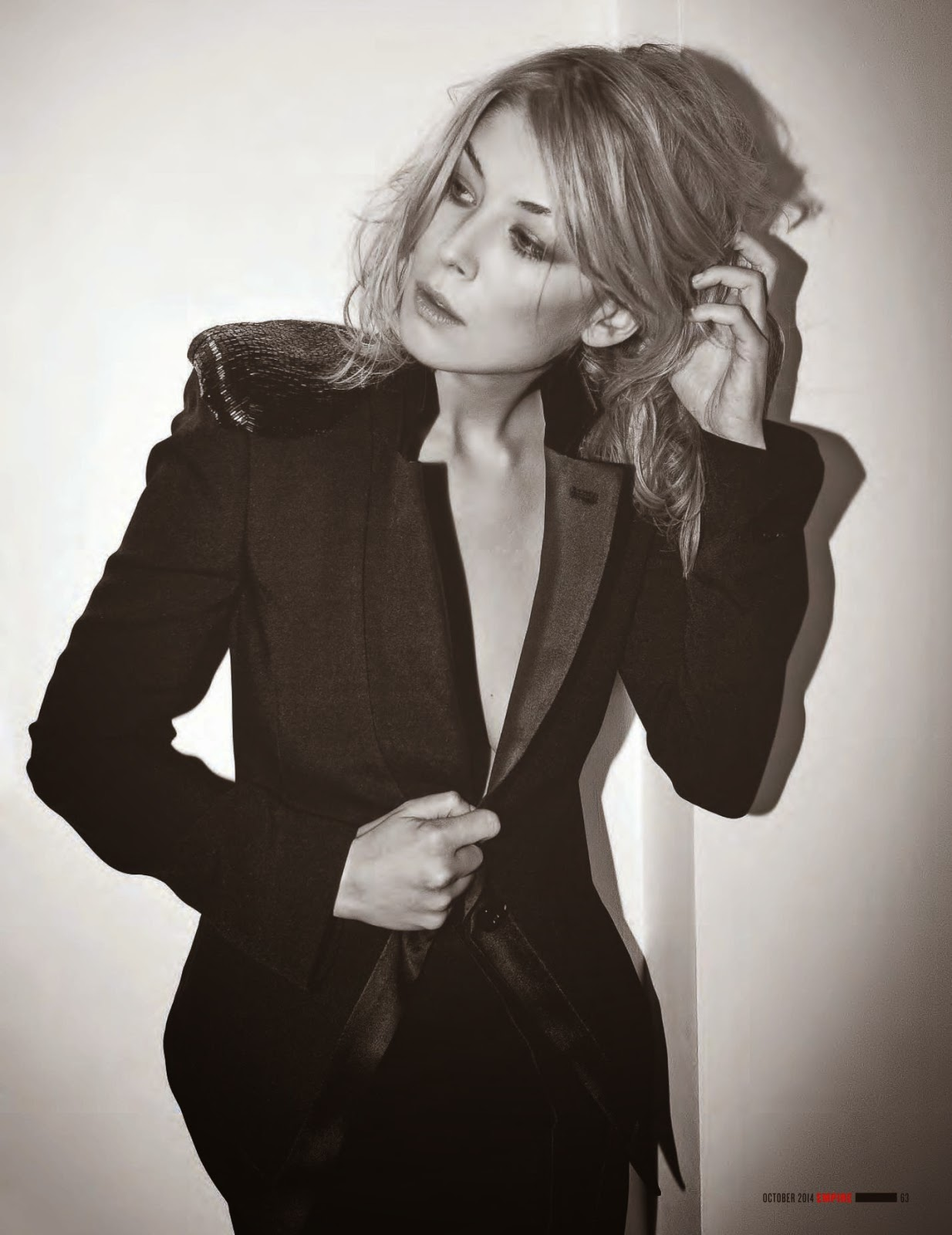 Rosamund Pike – Empire UK Magazine (October 2014) – GotCelebRosamund Pike 2014