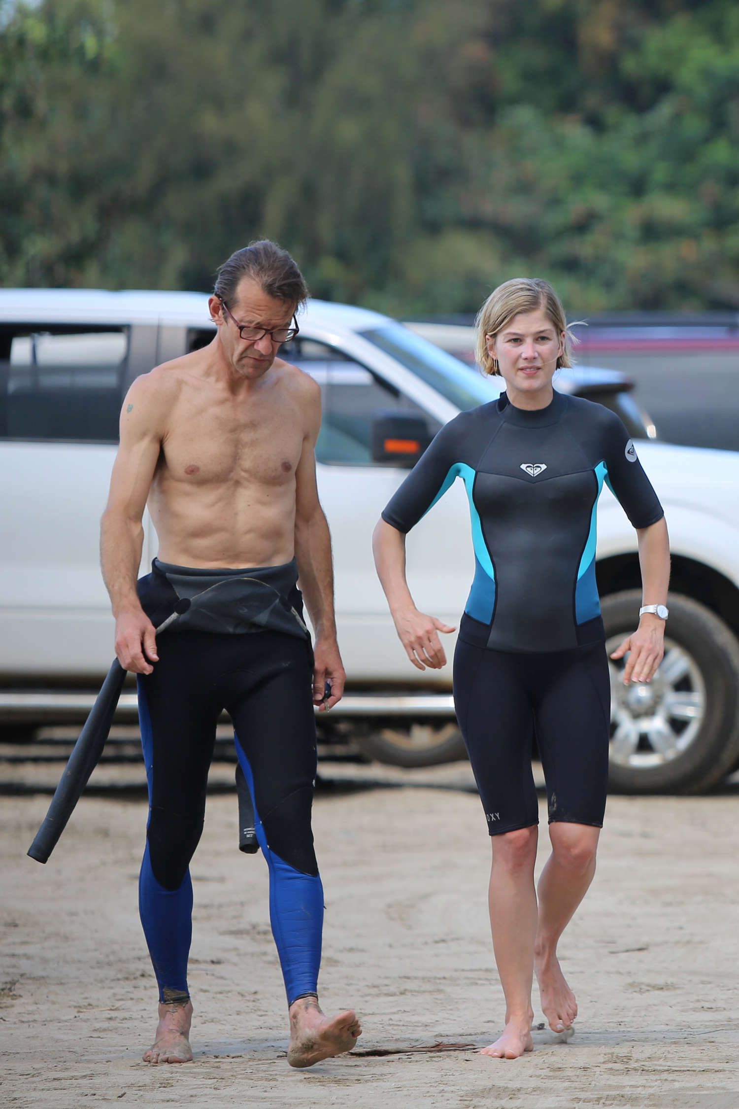 Rosamund Pike Bikini Photos  2014 Hawaii -20 - Full SizeRosamund Pike 2014
