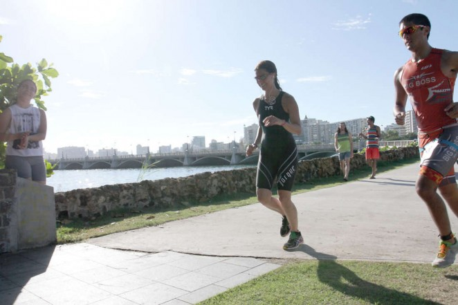 Roselyn Sanchez: Competes in her Roselyn Sanchez Triathlon for a Smile -06