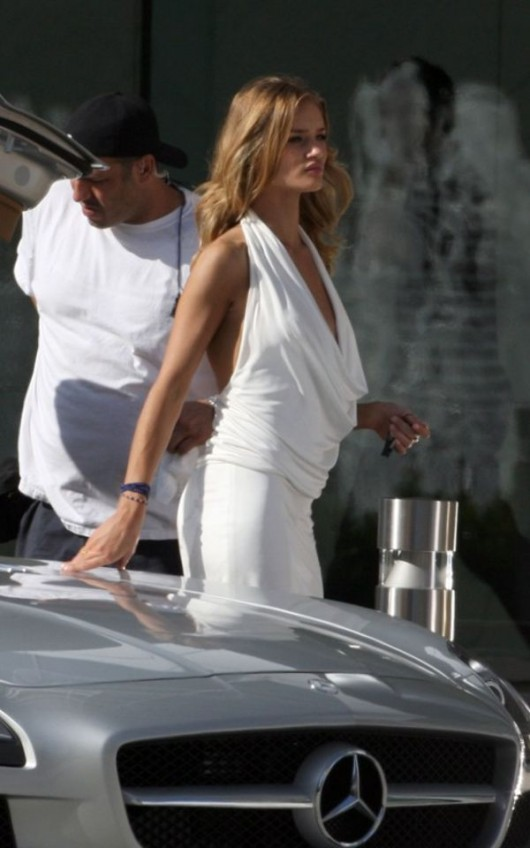 Rosie Huntington Tight Candids on Set of Transformers