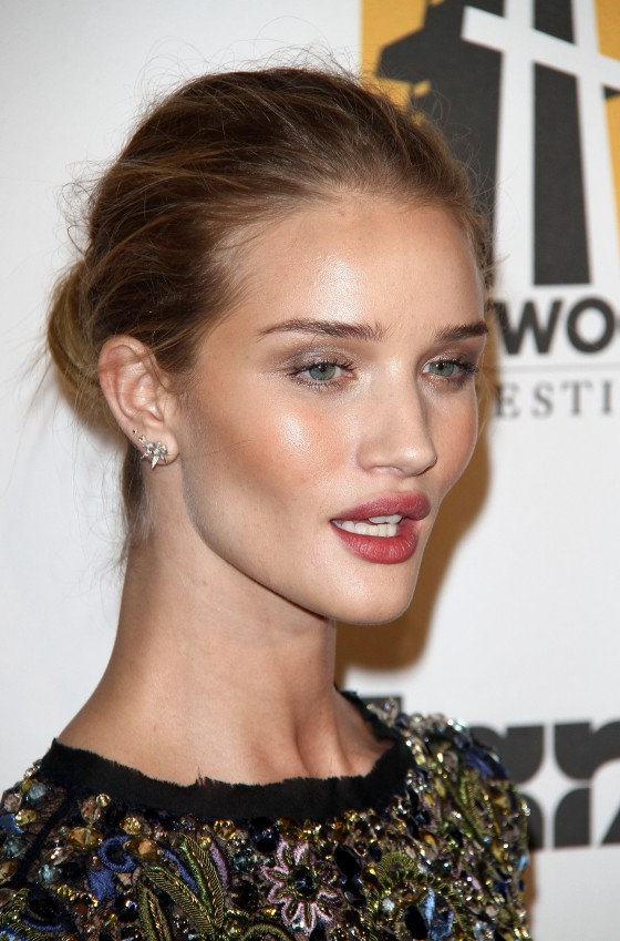 rosie-huntington-whiteley-at-15th-annual-hollywood-film-awards-gala-07
