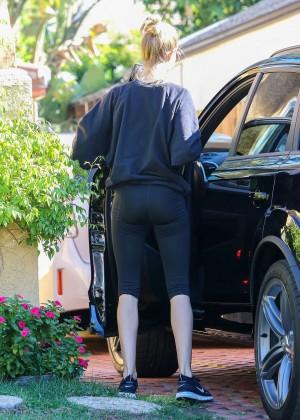 Rosie Huntington Whiteley Booty in Leggings -07