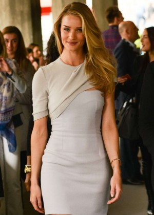 Rosie Huntington Whiteley: Tight Dress at Vogue Festival -09