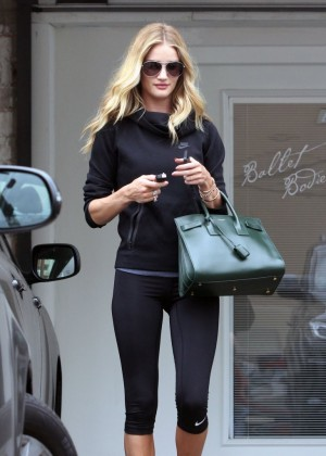 Rosie Huntington-Whiteley in spandex leaving -10