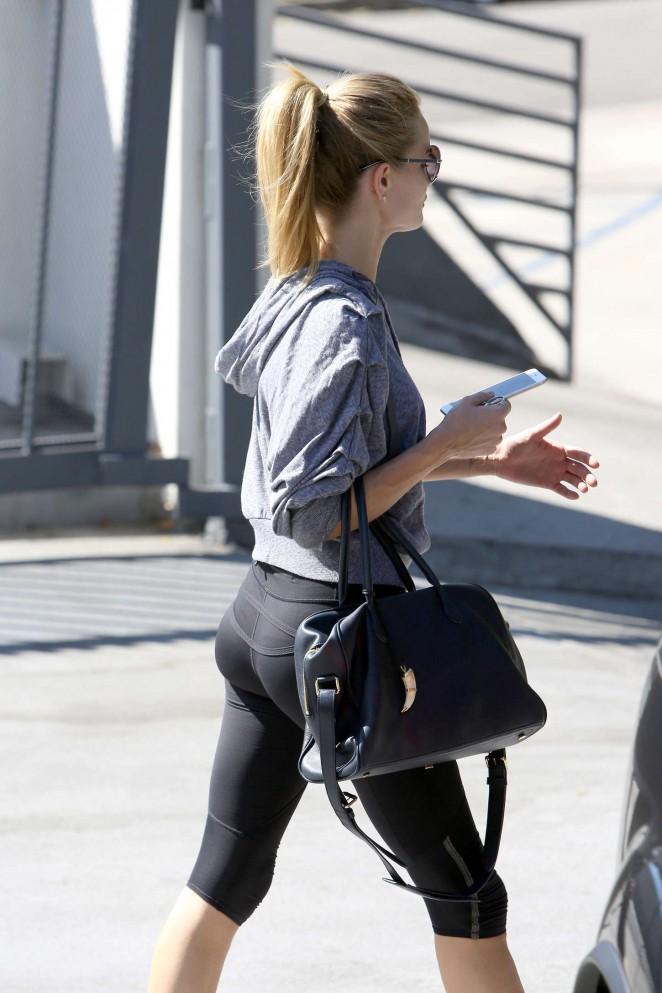 Rosie Huntington Whiteley in Leggings Leaving the gym in Los Angeles