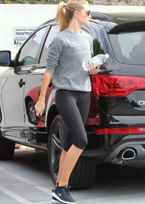 Rosie Huntington Whiteley in Leggings - Leaving the gym in West Hollywood