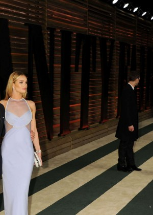 Rosie Huntington Whiteley: Oscar 2014 - Vanity Fair Party -11