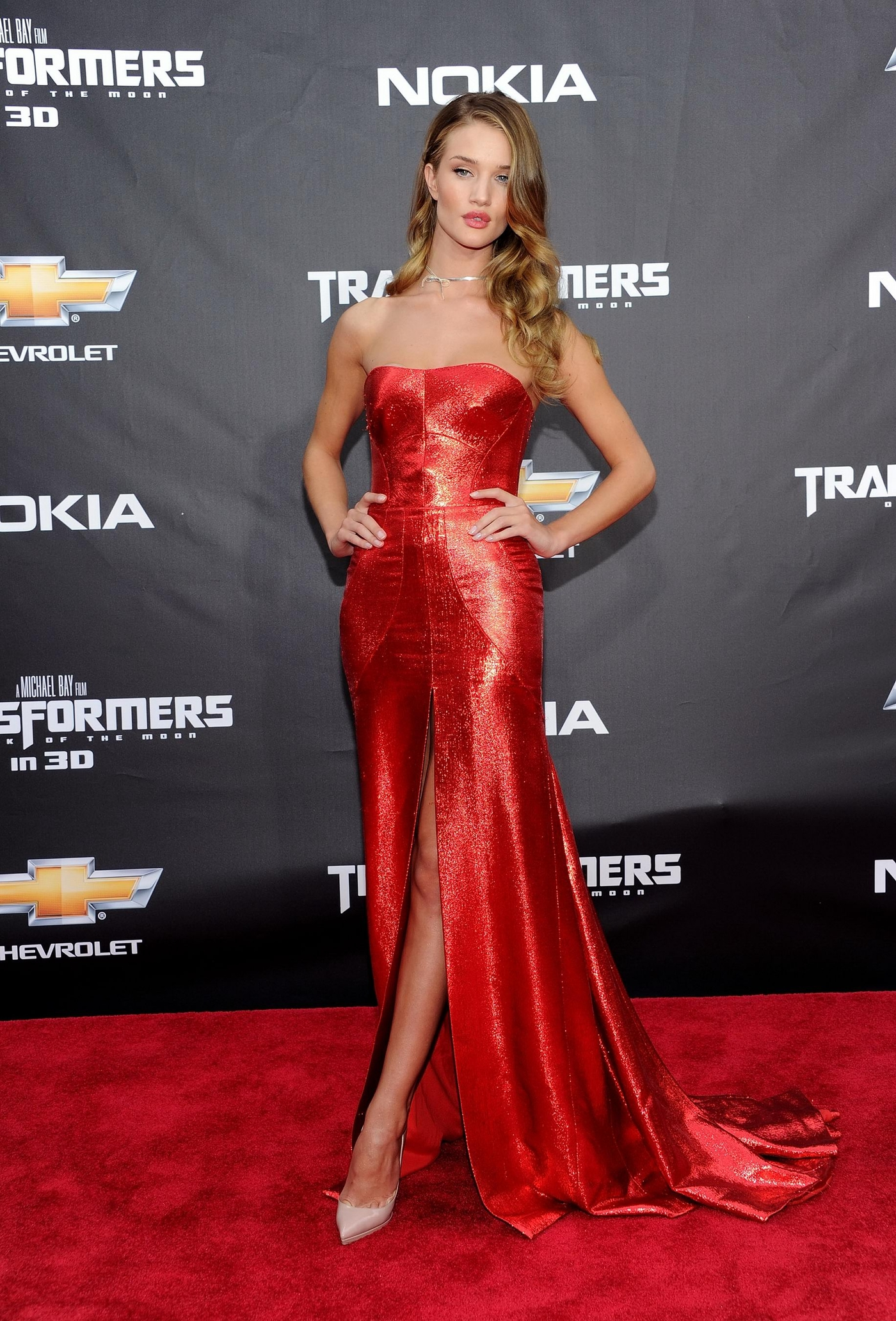 Rosie Huntington Whiteley In Red Dress At Transformers 3