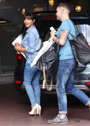 Roxanne Pallett in tight jeans. -08