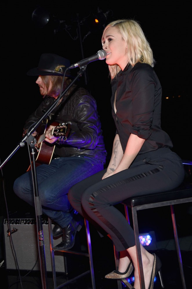 Rumer Willis Performs at The Note Pad in LA