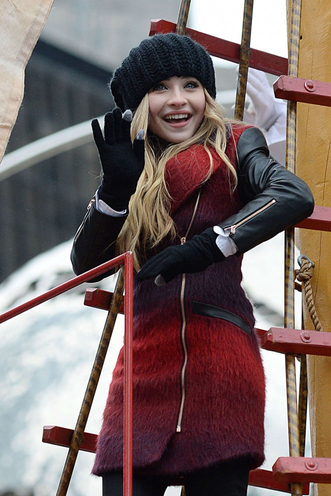 Sabrina Carpenter - 88th Annual Macy's Thanksgiving Day Parade in NYC