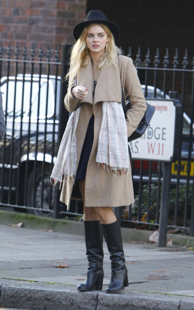 Samara Weaving in Coat and Hat Out in London