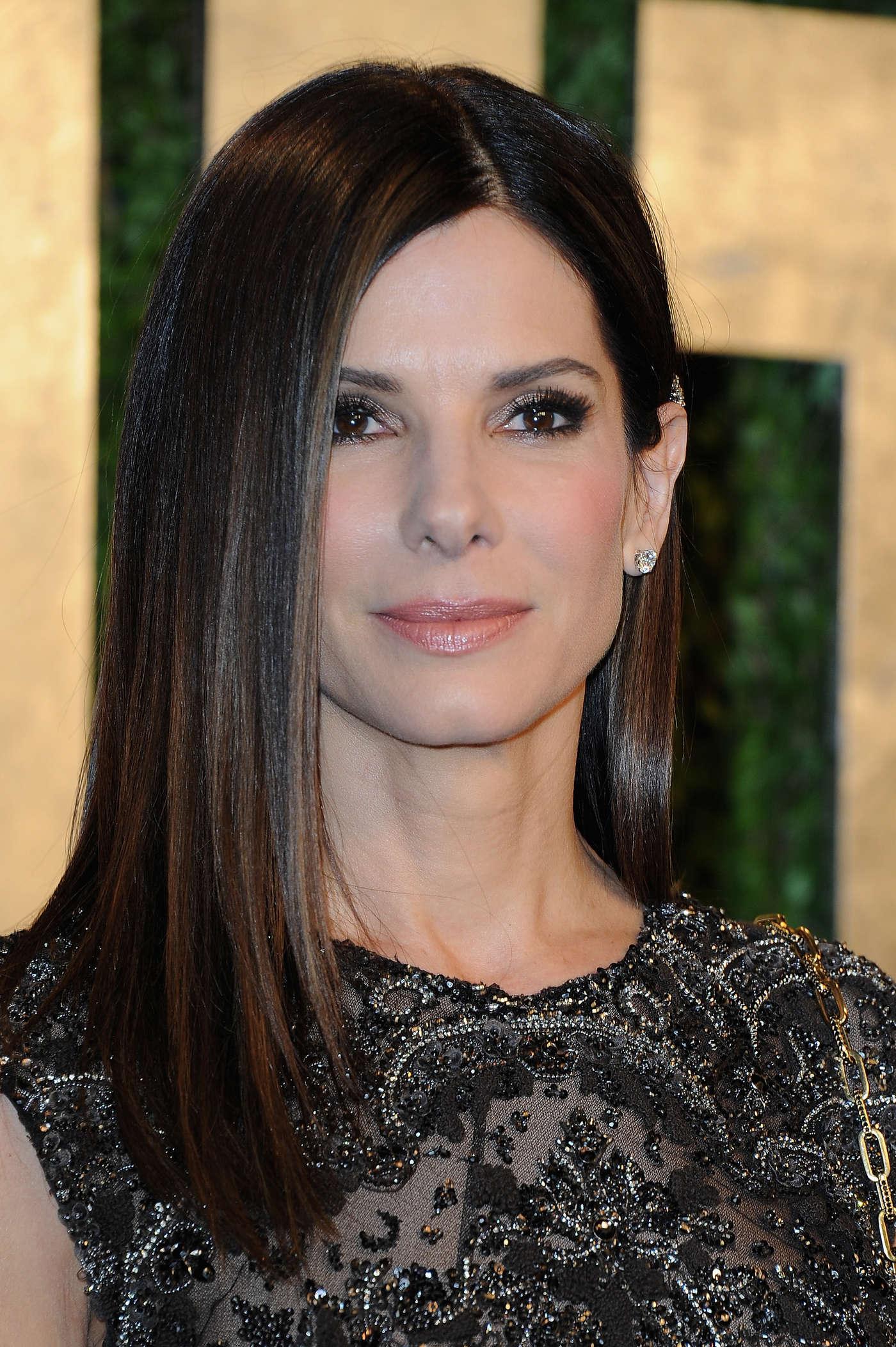 Sandra Bullock 2013 : Sandra Bullock – Oscar 2013 – Vanity Fair Party -04