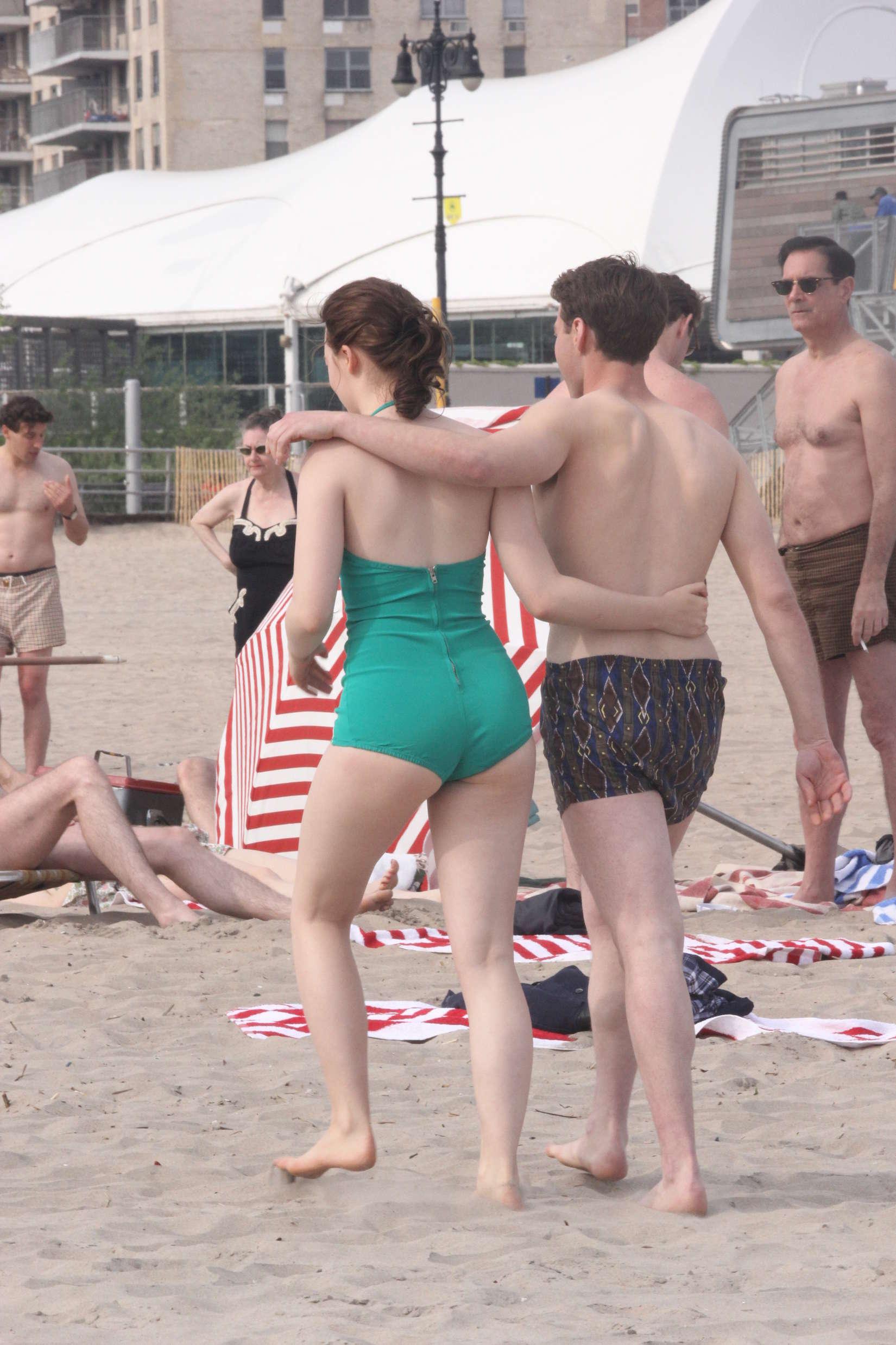 Bikini Saoirse Ronan nude (54 pics), Cleavage