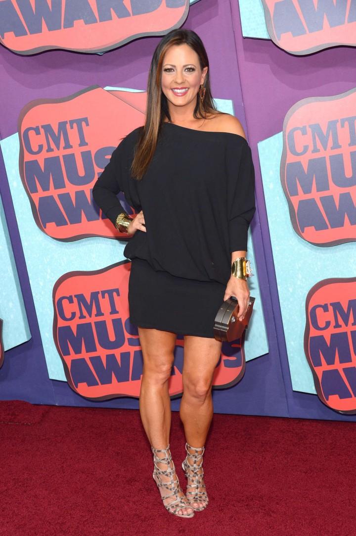 Sara Evans: 2014 CMT Music Awards -01