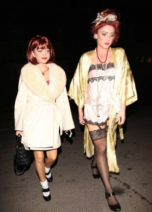 Sarah Hyland - Arriving at Kate Hudson's Halloween Bash in Brentwood