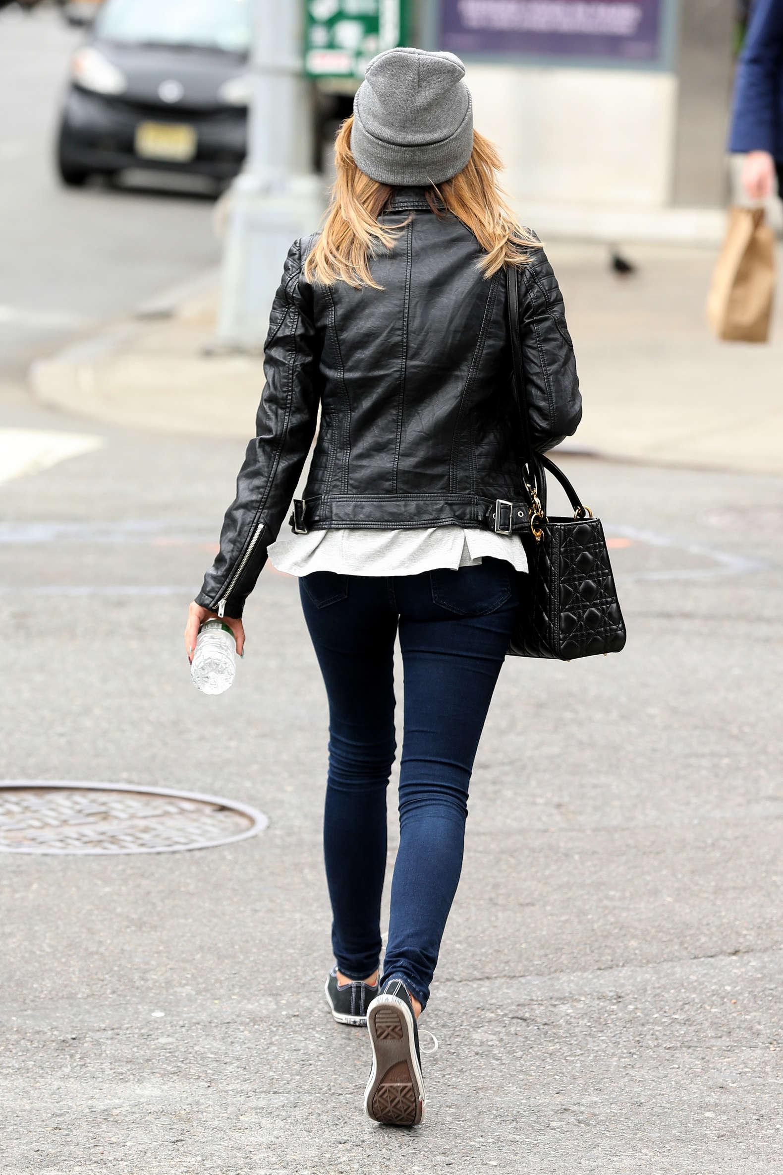 sarah hyland in jeans 16 � gotceleb