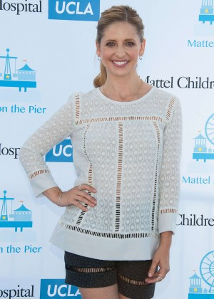 Sarah Michelle Gellar - 15th Annual Party On The Pier in Santa Monica