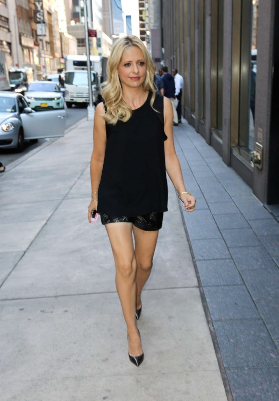 Sarah Michelle Gellar – Out in New York City -10