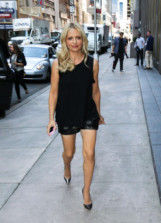 Sarah Michelle Gellar – Out in New York City -19