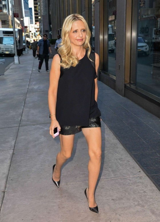 Sarah Michelle Gellar – Out in New York City -21