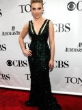 scarlett-johansson-64th-annual-tony-awards-11