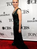 scarlett-johansson-64th-annual-tony-awards-15