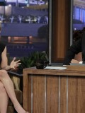 scarlett-johansson-at-the-tonight-show-with-jay-leno-09