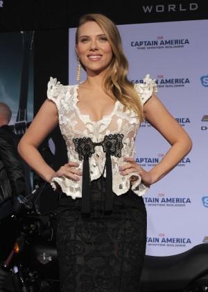 Scarlett Johansson - Captain America: The Winter Soldier Premiere -01