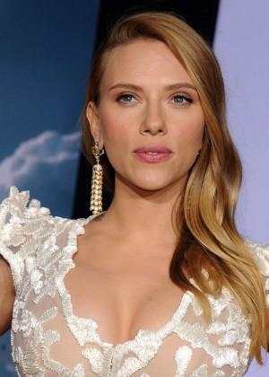 Scarlett Johansson - Captain America: The Winter Soldier Premiere -05