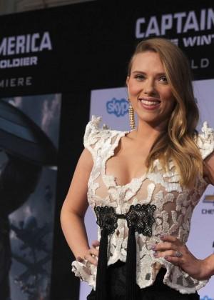 Scarlett Johansson - Captain America: The Winter Soldier Premiere -10